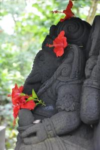 68110_10151413280344928_501483971_nJai Sri Ganesha