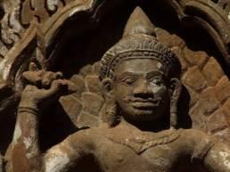 Indra Holding Thunderbolt Vajra