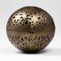 Spherical hand warmer, brass middle east 18th - 19th C.